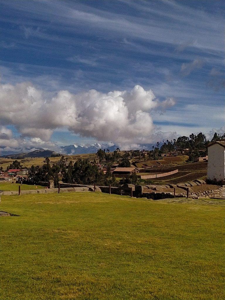 vista de Chincheros en viaje a Cusco